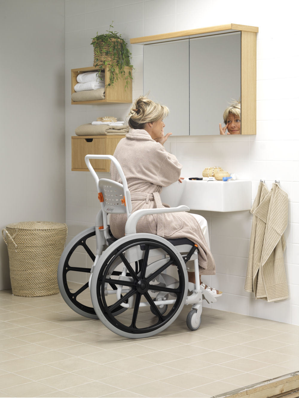 etac clean mobile shower commode chair 55cm self propelled